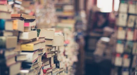 """Na """"bubnju"""" 1500 knjiga Masmedije, nekad vodećeg izdavača poslovne literature"""