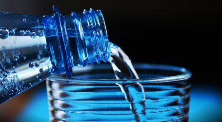 Najlakši način u borbi s neugodnim zadahom – Piti više vode