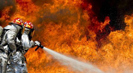 U požaru u Dhaki izgorjelo 15.000 domova