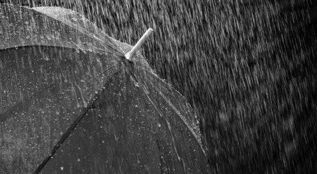 Oblačno uz kišu i pljuskove, poslijepodne postupno razvedravanje