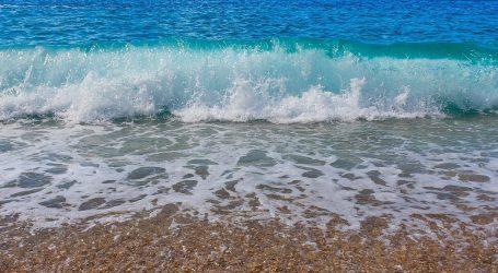Dvije plaže u Kaštelima trajno su zagađene