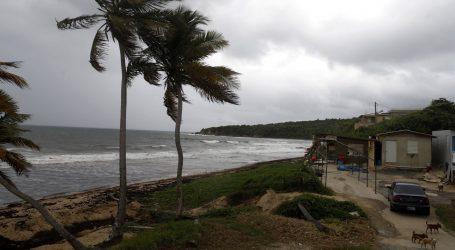 Na Bahamima pet mrtvih u uraganu, u SAD-u traje evakuacija