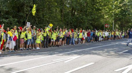 Francuska policija se sukobila sa žutim prslucima