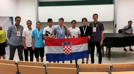 Hrvatski učenici osvojili zlatnu, tri srebrne i brončanu medalju na Srednjoeuropskoj matematičkoj olimpijadi