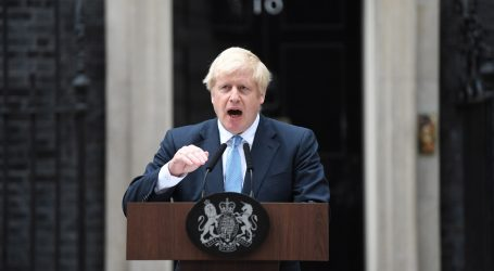 Johnson neće tražiti odgodu Brexita