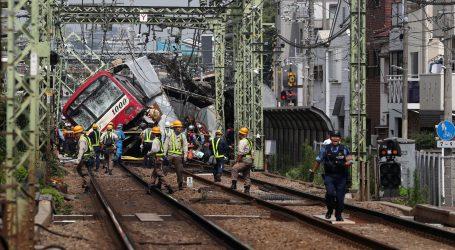 Najmanje 34 ozlijeđena u sudaru vlaka i kamiona u Yokohami