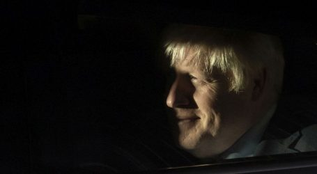 Farage upozorio Johnsona na neuspjeh na izborima ako ne provede Brexit