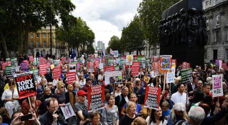 LONDON Desničari napali protivnike Brexita