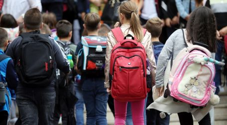 Ministarstvo: Pomoćnik u nastavi za dijete u Slavonskom Brodu dodijeljen na vrijeme