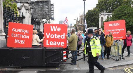 Johnson nakon suspenzije parlamenta obećao napuštanje EU u roku