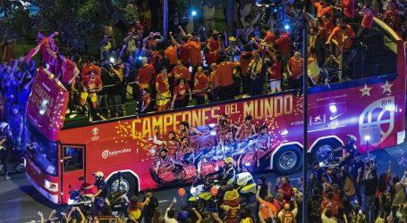Tisuće navijača u Madridu dočekalo košarkaške svjetske prvake