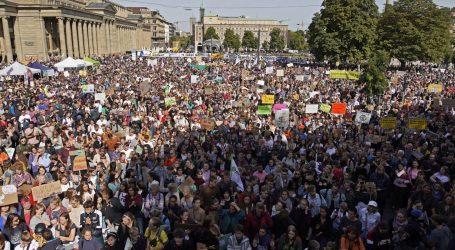 Zahtjevi za klimatskom pravdom odjekuju ulicama diljem svijeta