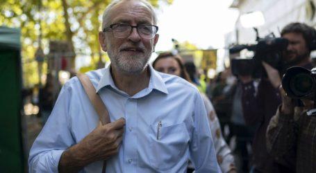 Corbyn pozvao Johnsona da odstupi s premijerske dužnosti
