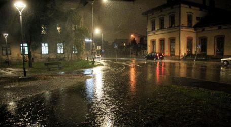 OBILNA KIŠA POTOPILA DIJELOVE ZAGREBA: Vatrogasci na stotinama intervencija