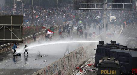 Policija u Indoneziji suzavcem rastjerala prosvjede protiv novog kaznenog zakona