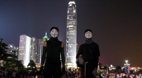 HONG KONG Novi prosvjedi, policija bacila suzavac na prosvjednike