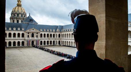 PARIZ Građani odali počast Chiracu uoči službenog oproštaja