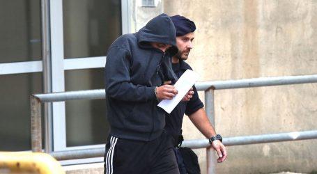 U Šibeniku u lisicama privedeni napadači na Srbe, zabilježen i indicent
