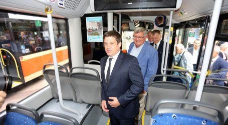 'Ravnatelji škola s autobusnim prijevoznicima rade protiv HŽ-a'