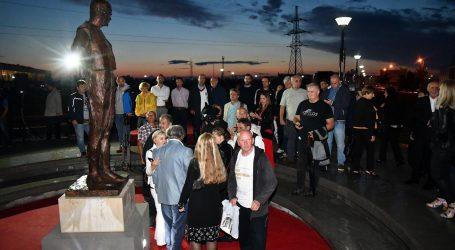 U spomen na Ivu Gregurevića u Orašju otvoren filmski festival i spomenik