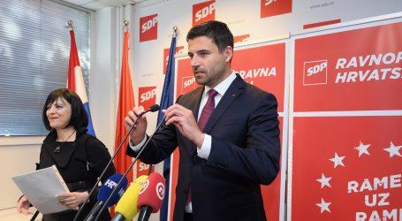 """BERNARDIĆ """"Ljubav između Plenkovića i Pupovca velika i neobjašnjiva"""""""