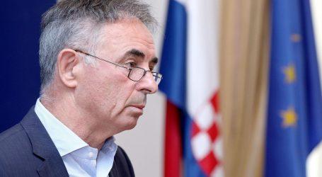 Zadarska policija privela više osoba zbog prijetećih grafita Miloradu Pupovcu