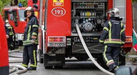 Zagrebački vatrogasci oduševili fotografijom, pokazali što sve imaju u vozilu