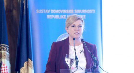 """PREDSJEDNICA """"Sva otvorena pitanja oko Vukovara trebala su i trebaju biti riješena"""""""
