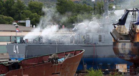 Požar na raketnoj topovnjači u Šibeniku brzo ugašen