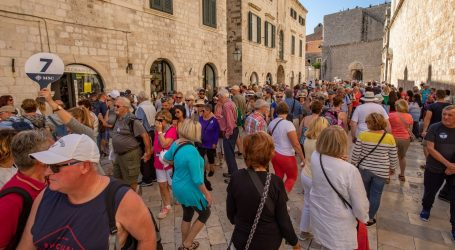 Prihodi od stranih turista u prvoj polovici godine 2,72 milijarde eura
