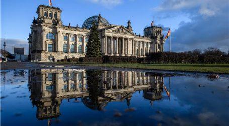 U Berlinu se okupile tzv. bebe Reichstaga