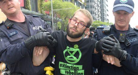 """""""Oprostite, ali ovo je hitno"""" – klimatski aktivisti blokirali ulice diljem svijeta"""