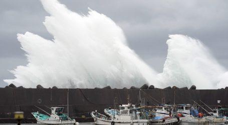 Japanu se približava snažan tajfun, planirana evakuacija milijun ljudi