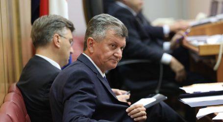 Žestoke optužbe na račun ministra Kujundžića