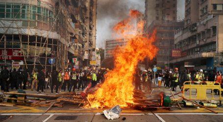 Novi nasilni prosvjedi u Hong Kongu, policija upotrijebila suzavac i vodene topove