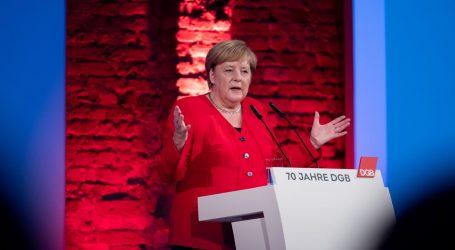 Merkel i Erdogan razgovarali telefonom o turskoj ofenzivi u Siriji