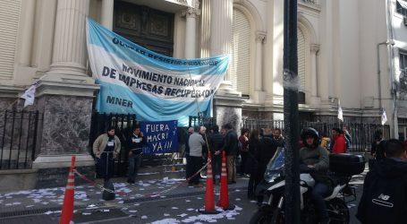 Argentinci pogođenI recesijom počeli izlaziti na izbore