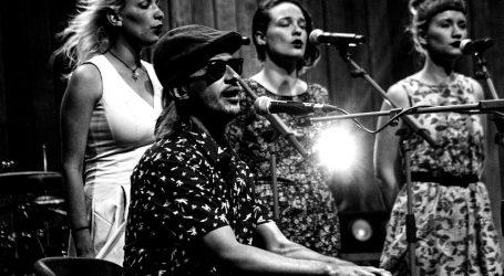 Debi album talentiranog J.R. Augusta izlazi za Croatiu Records 11. listopada