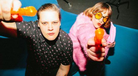 Neon Wife je novi bend Irene Žilić nastao iz suradnje sa Lucijom Potočnik