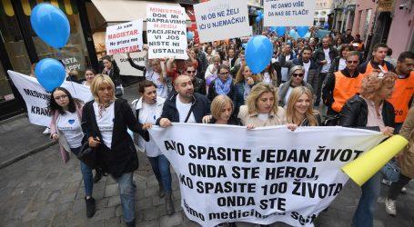 Veliki posvjed medicinskih sestara na Markovu trgu