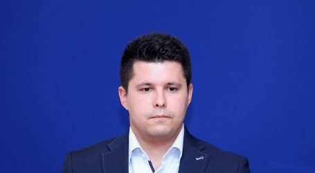 Gradonačelnik Vrgorca Ante Pranić dovezao kamion smeća u Split