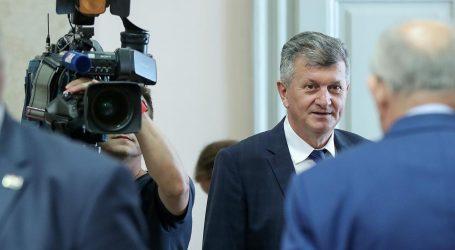 Rasprava o povjerenju ministru Kujundžiću trajala osam sati