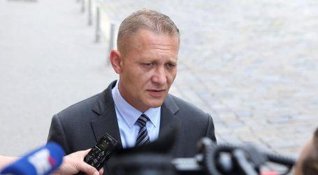 Beljak rekao da će izvanredni izbori biti 5. siječnja, Bačić komentirao