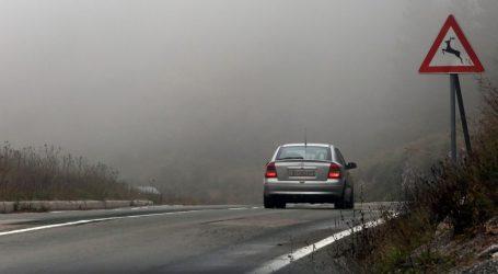 Kolnici mokri i skliski, magla u Gorskom kotaru