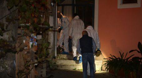 U kući kod Rijeke pronađeno mrtvo tijelo žene, na stepenicama ispred kuće puška