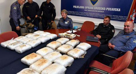 Slavonski Brod: Policijski psi otkrili gotovo 30 kilograma droge