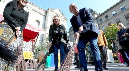 Dok se Zagreb se bori s hrpama smeća, Bandić opet podučava građane kako da razdvajaju otpad
