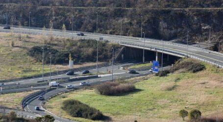 Vjetar otežava promet, autoceste A1 i A6 otvorene za sva vozila
