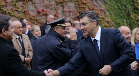 Državni vrh u povodu blagdana Svih svetih položio vijence na zagrebačkom Mirogoju