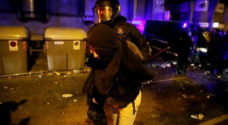 Sukob prosvjednika i policije u Barceloni